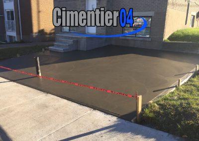 Entrée de maison en ciment